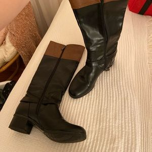Bandolino y'all boot, brown and black. Size 9.